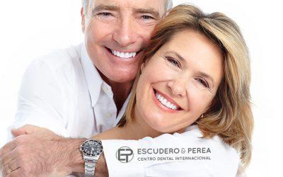 Tengo que ponerme implantes dentales ¿Qué tipos de implante me deben poner?
